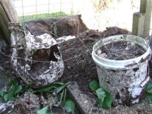 Buried buckets