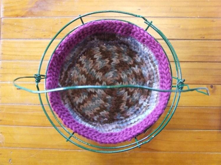 Basket cozy