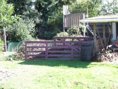 The first temporary pen, hastily set up for the arrival of young Elrond, our first rooster.