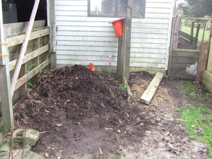 Weedpost pile