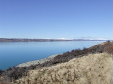 Another food stop is another opportunity to capture beautiful views. This is Lake Pukaki.