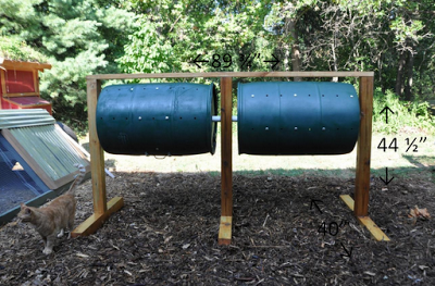 Tumbling compost bins
