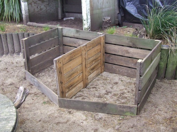 The chicken compost bin was moved into the Cedar Pen and renovated into two bays, then filled.