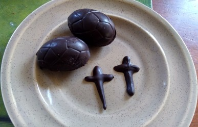 Chocolate Easter eggs and crosses. There's no need to buy Easter eggs when you can make them for much cheaper!
